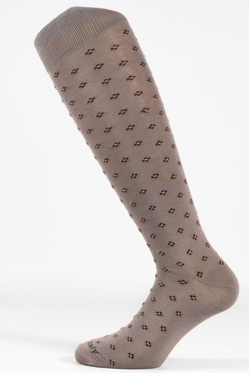 calza-moda-fantasia-croce-fondo-grigio
