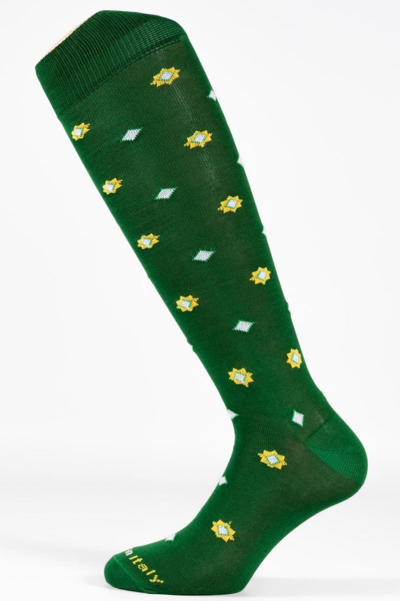 calza-moda-fantasia-geometrico-fondo-verde